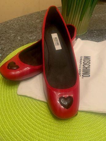 Baleriny Love Moschino