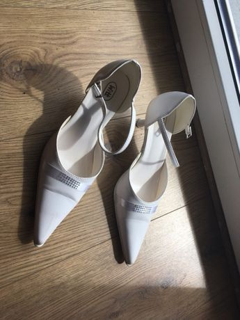 Buty ślubne 38 białe
