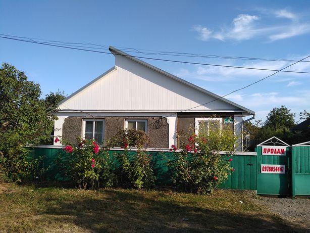 Продам терміново будинок