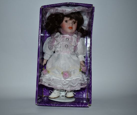 большая кукла фарфор porcelain doll east brokers and cons новая в коро