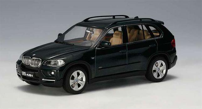 Miniatura BMW X5 4.8i Auto Art escala 1:43
