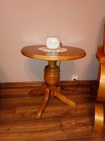 Dębowy stolik kawowy