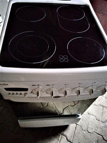 kuchenka elektryczna z płytą ceramiczną