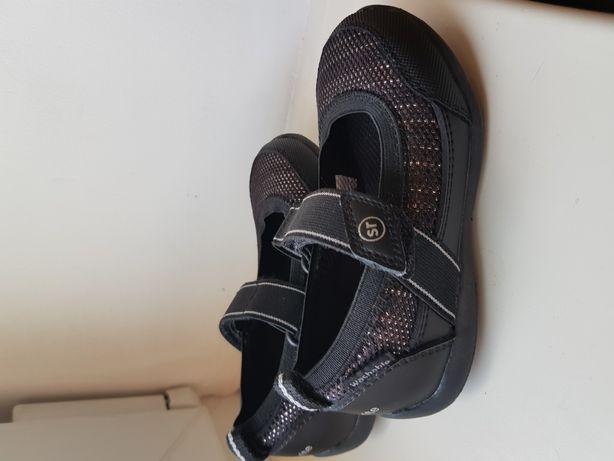 Тапочки, мокасины, туфли детские на девочку