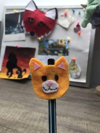 Ozdoba na ołówek kot handmade z filcu