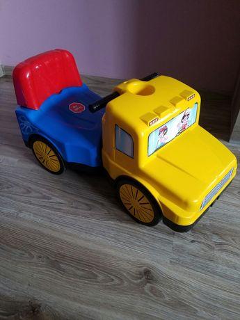 Jeździk pchacz samochód żółty