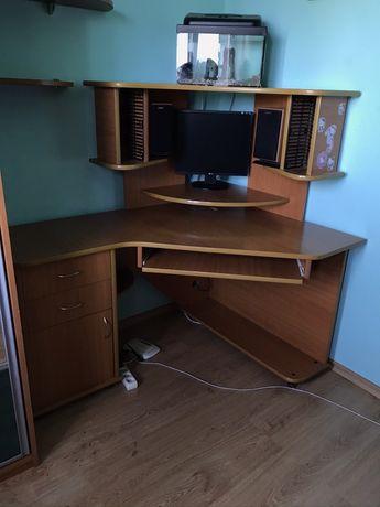 Комп'ютерний стіл / парта