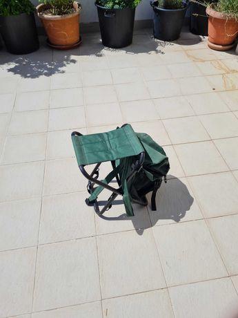 Cadeira individual com bolsa