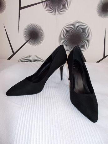 czarne eleganckie szpilki na każdą okazję r.37 nowe