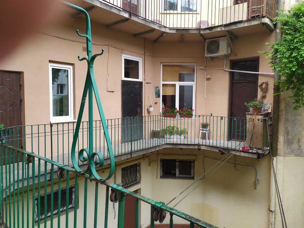 Продам 1-кім квартиру у центрі