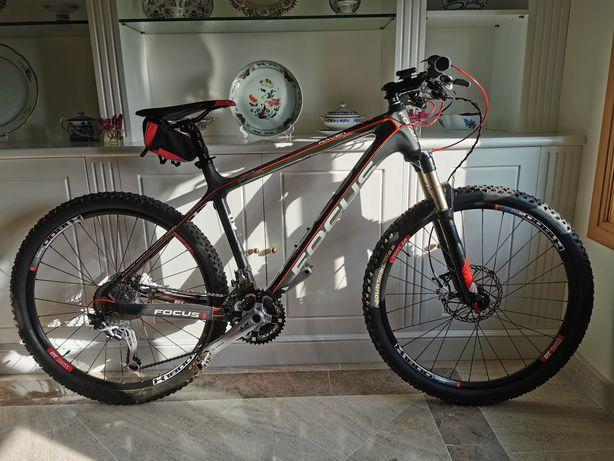 Bike Focus Raven Carbono