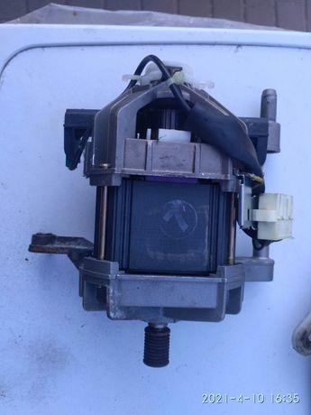Продам двигатель стиральной машины Беко 585 Вт