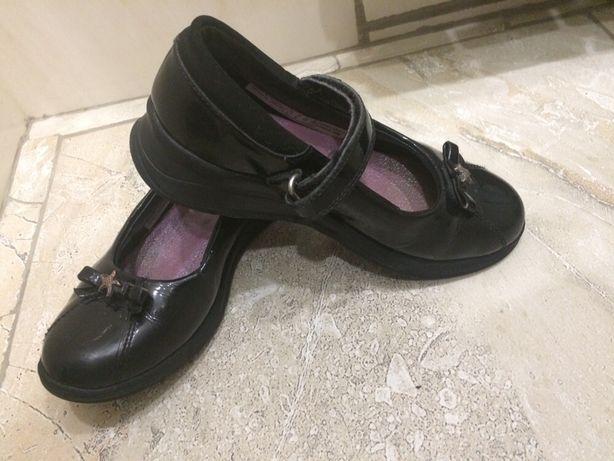 Clarks лаковые туфли 19 см стелька!
