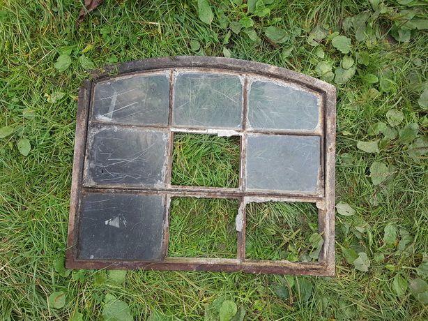 okno żeliwne stare masywne