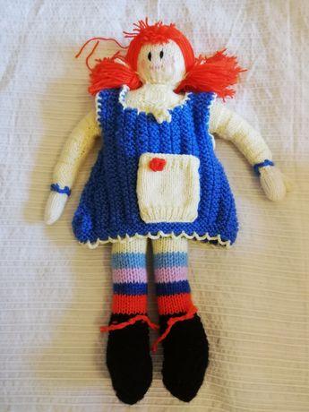 Boneca feita à mão em amigurumi / croché