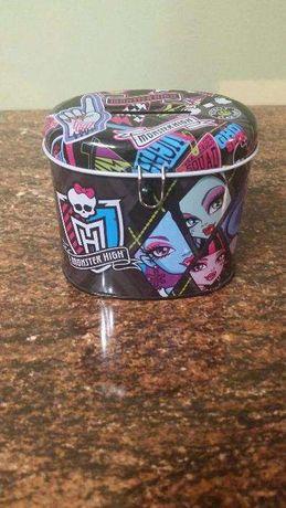 Skarbonka Monster High