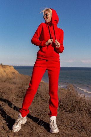 Спортивный утепленный женский костюм на флисе трицвета в наличии