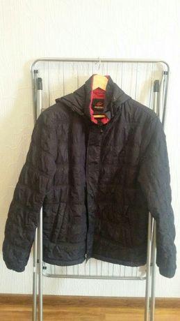 Продам куртку весняно-осінню