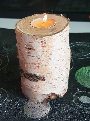Drewniany świecznik na brzozie