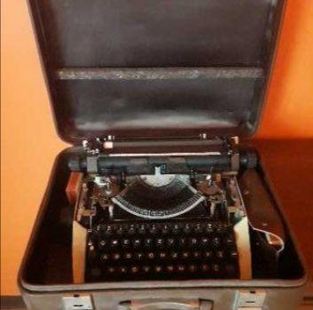 Sprzedam maszynę do pisania Predon Łucznik 1300