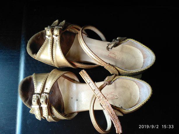 Танцевальные туфли. Обувь для бальных танцев. Club Dance