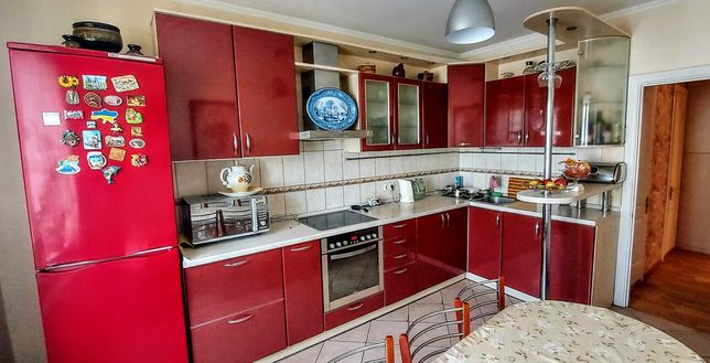 Срочно!!Продается 3х комнатная квартира по адресу: ул. Полесская, 15а