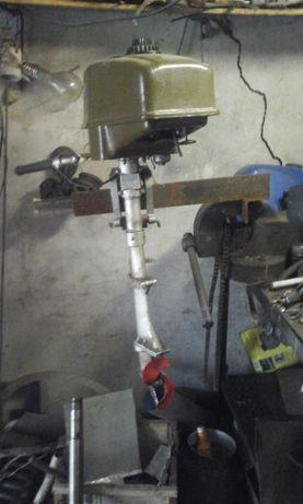 Продам лодочный мотор Салют 3 М