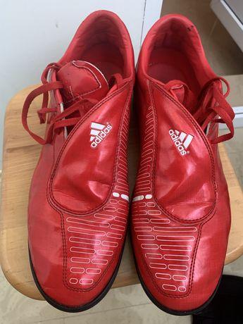 Кроссовки для футбола 45 р