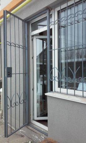 Решетки на окна, балконы, тамбура,