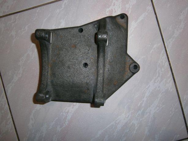 Кронштейн крепления компрессора (рефрижератора) холодильной установки.
