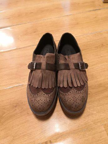 Vendo sapatos com plataforma
