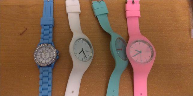 Часы женские силиконовые Geneva