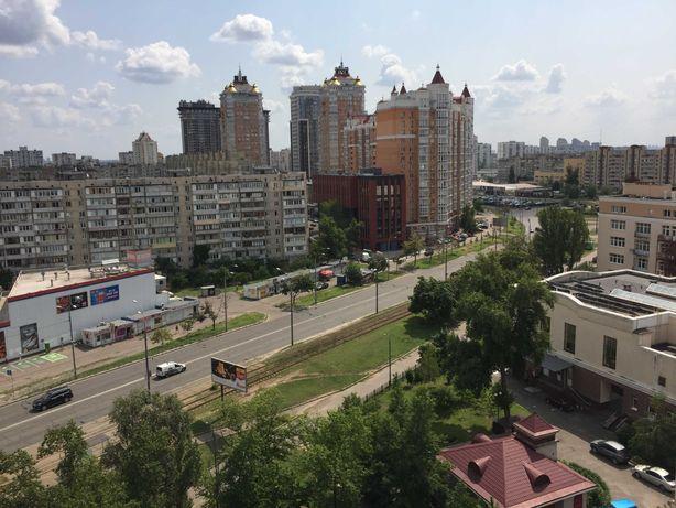 Продам 2-комнатную квартиру возле метро Минская на Оболони