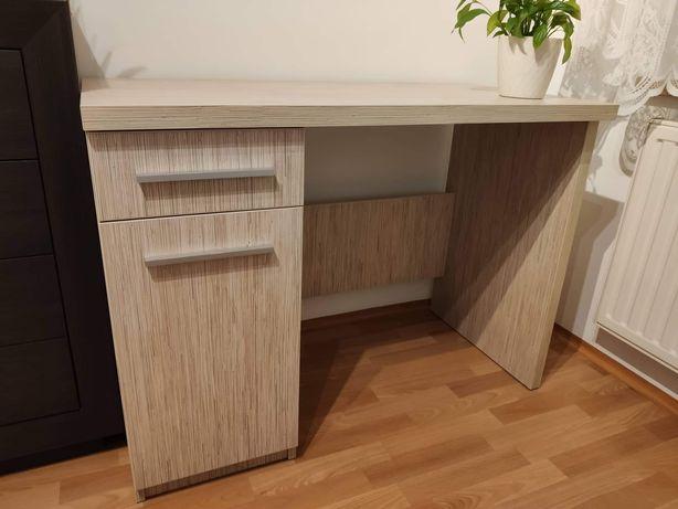 Piękne solidne biurko