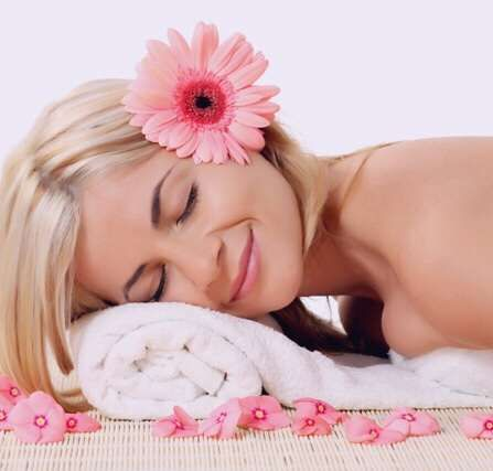Услуги косметолога: чистка, пилинг, ламинирование ресниц, шугаринг