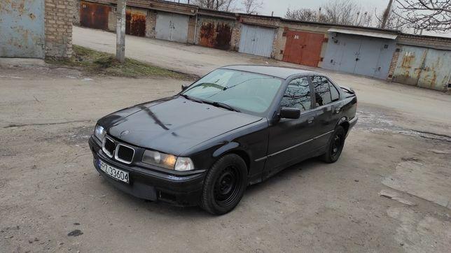 BMW E36 1.8 Black