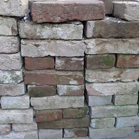 cegły po rozbiórce