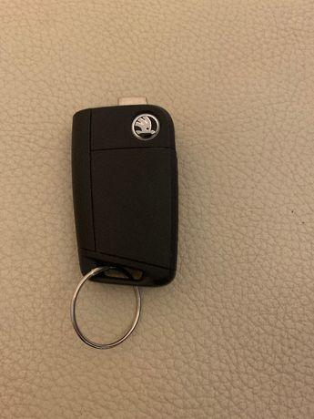 Ключ Škoda 7 series 5E0 959 752 D без жала цена 1500