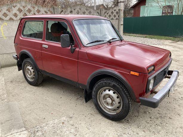 Нива ВАЗ 21214 російська зборка
