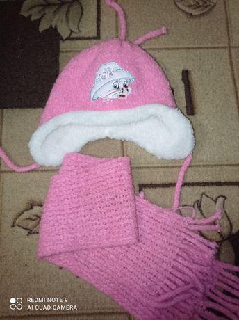 Нова зимова шапка і шарф на дівчинку