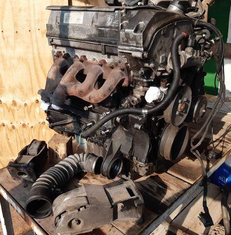Mercedes vito 2.0  benzyna silnik 111948