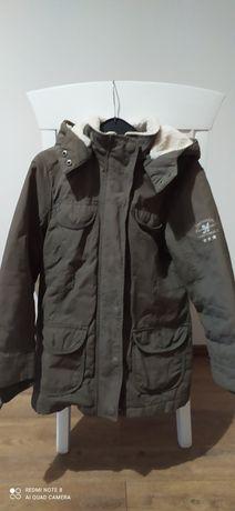 Куртка девочке 140рост