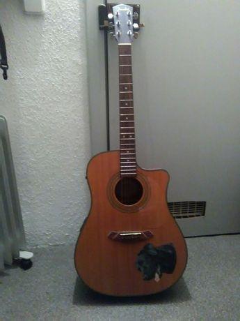 Guitarra fender acústica amplificada