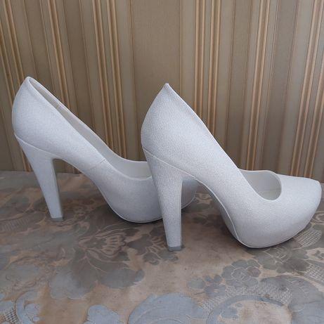 Туфли,туфлі