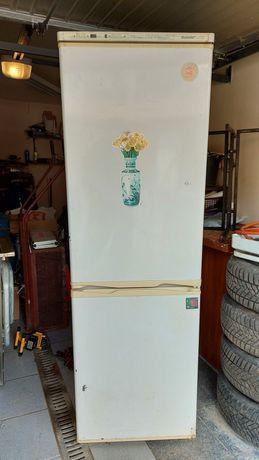 Oddam lodówkę z zamrażarką