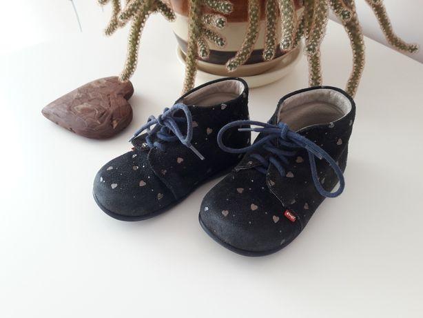 Emel pierwsze buciki roczki buty trzewiki rozmiar 21 serduszka