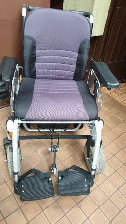 Wóżek inwalidzki z napędem elektrycznym Squod