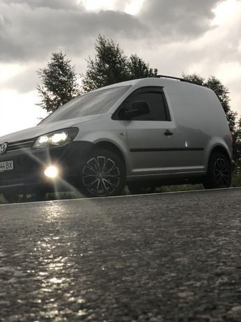 Продаю Volkswagen caddy грузовой 2013