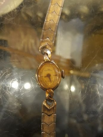 Часы золотые женские Wakman