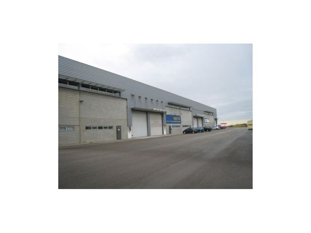 ALVERCA - Armazém com 2.386 m2